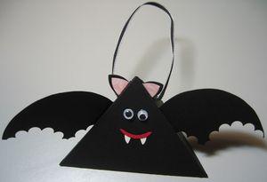 Triangle box bat - darla