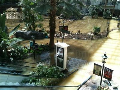 Opryland_Hotel_Flood