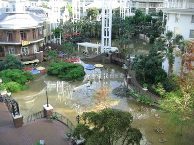 Opryland Hotel in Nashville after May 1  2010 flood 022