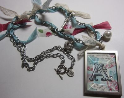 Simply adorned baja with chain