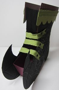 Witch boot - front
