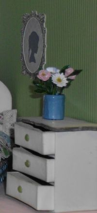 5 dollhouse - bedroom portrait drawers