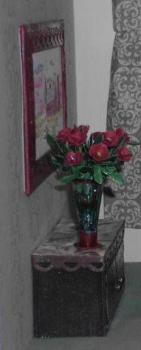 3 dollhouse - living room wall picture flowers