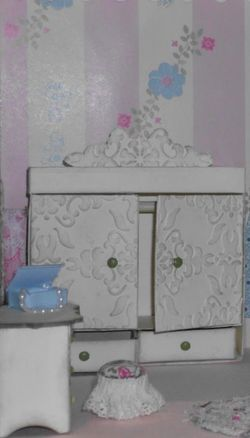 5 dollhouse - bedroom dressers